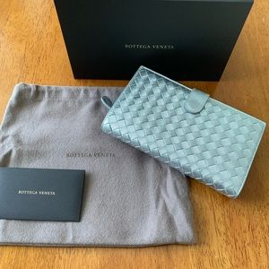 Bottega Veneta Silver Woven Leather wallet